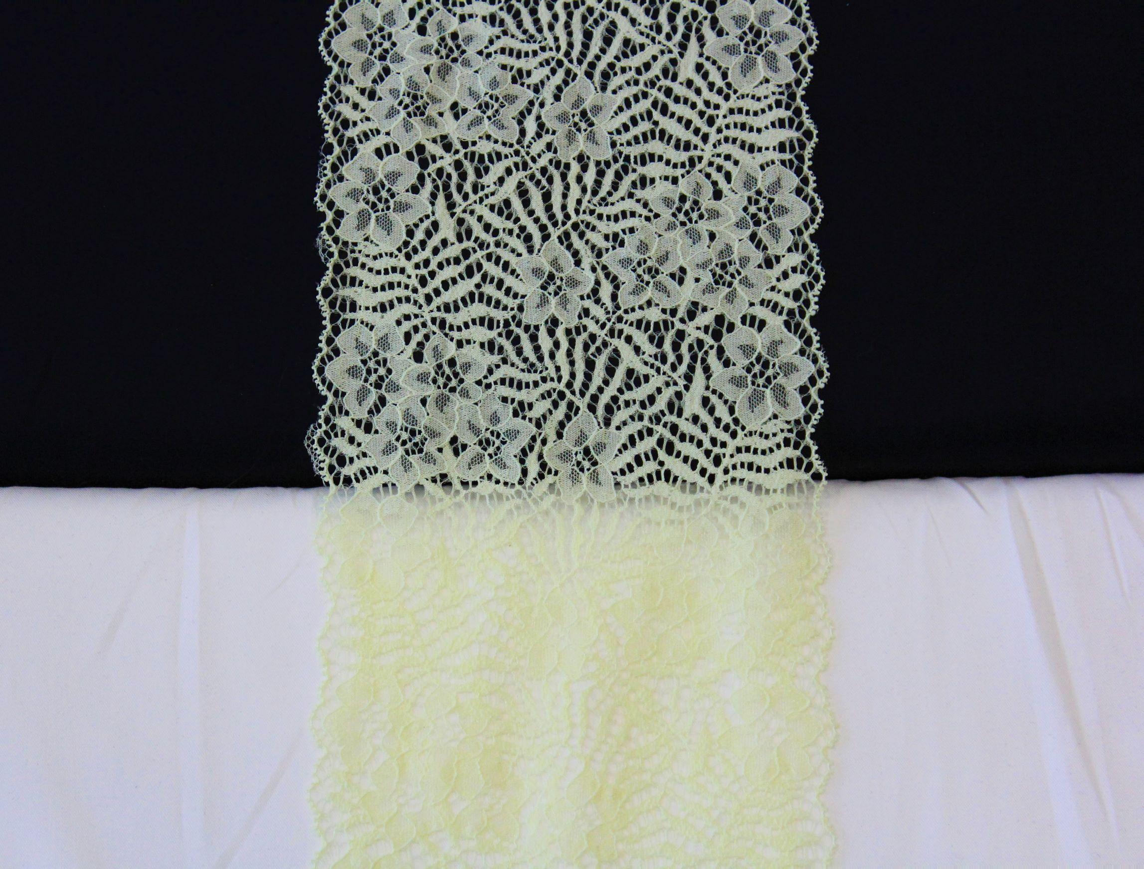 bloemenkant lichtgeel